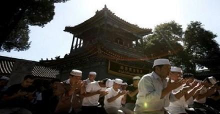 'देशभक्ति की भावना बढ़ाने के लिए चीन की मस्जिदों में फहराया जाए राष्ट्रीय ध्वज'