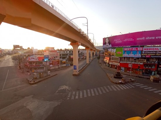 Maharashtra: Deserted roads in Nagpur following commencement of Janta Curfew  from 7 am today : Outlook Hindi