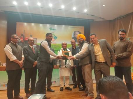कंपनी के सीईओ तरनजीत सिंह भामरा ने 2016 में कृषि उपज की गुणवत्ता जांच के लिए एग्रीकल्चर नेक्स्ट की स्थापना की थी।