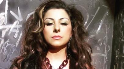 गायिका हार्ड कौर के खिलाफ एफआईआर दर्ज, संघ प्रमुख और योगी पर की थी टिप्पणी