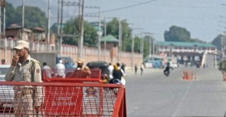 कश्मीर मे स्थिति शांतिपूर्ण, आम जिंदगी पकड़ रही है रफ्तार