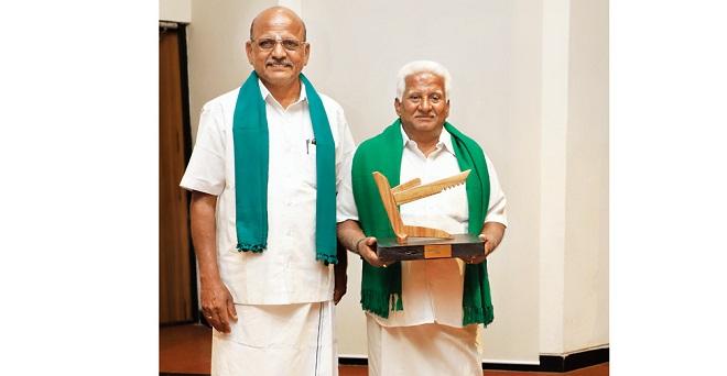 वेलियनगिरि उझावन प्रोड्यूसर कंपनी के चेयरमैन टी. कुमार कहते हैं कि नारियल उत्पादकों के लिए यह संयुक्त प्रयास वरदान साबित हुआ है।