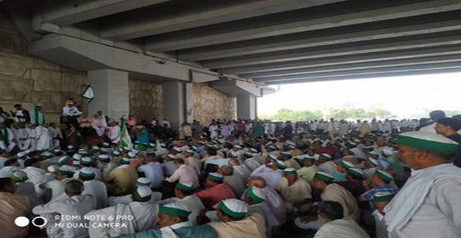 किसान क्रांति यात्रा के एक वर्ष पूरे होने पर 2 अक्टूबर को यूपी, दिल्ली बॉर्डर पर हजारों किसानों ने उपस्थित होकर अपनी मांगों को लेकर सरकार के खिलाफ विरोध प्रदर्शन किया