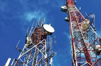 टेलीकॉम कंपनियों के बकाए पर कांग्रेस ने सरकार को घेरा, अनुचित फायदा पहुंचाने का आरोप