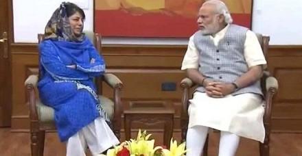 महबूबा ने प्रधानमंत्री से की मुलाकात, कश्मीर के हालात पर हुई चर्चा