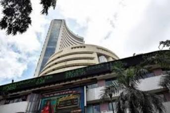 शेयर बाजारों में 10 महीने की सबसे बड़ी गिरावट, बीएसई की कंपनियों का मार्केट कैप 5.3 लाख करोड़ रुपए घटा