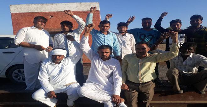 गेहूं की खरीद शुरू हो चुकी है लेकिन बल्ला अनाज मंडी में धर्म कांटा खराब है, अधिकारियों को कई बार अवगत करा चुके हैं कृपया इस ओर ध्यान दें