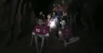 9 दिन बाद मिली गुफा में लापता थाईलैंड की फुटबॉल टीम, इस तरह रहे जिंदा