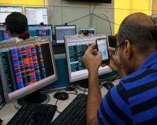 डेढ़ माह में सेंसेक्स 9,781 अंक नीचे, निवेशकों को 30 लाख करोड़ रुपये की चपत