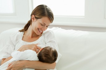 माँ का दूध सबसे बड़ी दवाई और बच्चे का पहला टीका : राज्यपाल आनंदी बेन पटेल