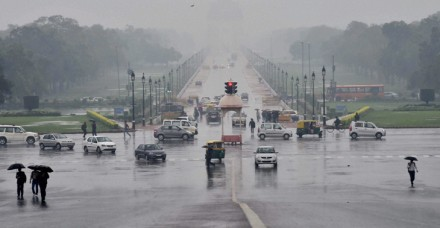 बेमौसम बरसात से उत्तर भारत में आफत