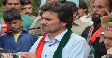 पाकिस्तान: करोड़पति निकला इमरान खान की पार्टी का चर्चित 'चायवाला' सांसद