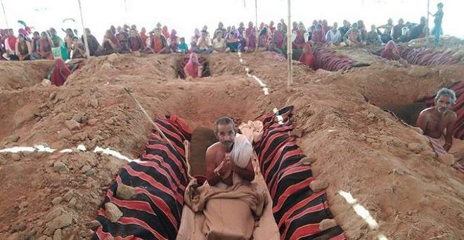 राजस्थान की राजधानी जयपुर के नींदड में उचित मुआवजा की मांग को लेकर किसानों का जमीन समाधी सत्याग्रह जारी है