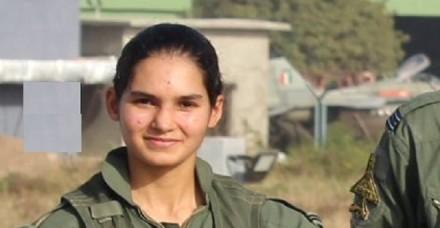 फ्लाइंग ऑफिसर अवनी चतुर्वेदी मिग-21 अकेले उड़ाने वाली पहली भारतीय महिला बनीं