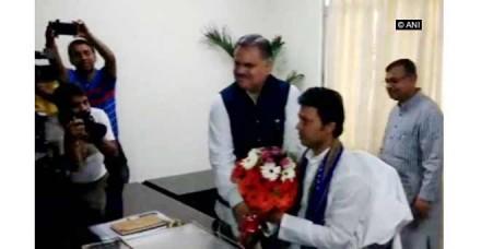बिप्लव कुमार देब ने संभाला त्रिपुरा के मुख्यमंत्री का कार्यभार