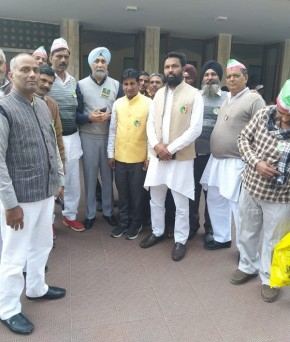 अखिल भारतीय किसान संघर्ष समन्वय समिति द्वारा आयोजित तीसरे सालाना सम्मेलन में भाग लेने आए हुए प्रतिनिधि