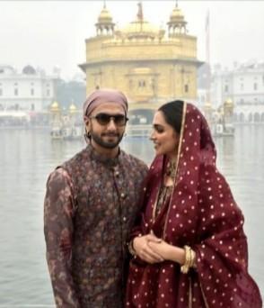 शादी की पहली सालगिरह पर पति रणवीर संग अमृतसर के स्वर्ण मंदिर पहुंचीं दीपिका पादुकोण