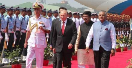 ब्रिक्स शिखर सम्मेलन के लिए गोवा पहुंचे पुतिन, पीएम मोदी ने की मुलाकात