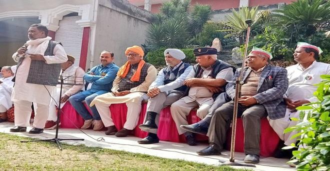 बुलन्दशहर में आयोजित किसान सम्मेलन में पहुंचे वी एम सिंह